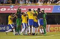 ATENCAO EDITOR IMAGEM EMBARGADA PARA VEICULOS INTERNACIONAIS - BUENOS AIRES, ARGENTINA, 21 NOVEMBRO 2012 - Jogadores do Brasil, comemoram a conquista do Superclássico das Américas sobre a Argentina, no Estádio La Bombonera, em Buenos Aires, na Argentina, nesta quarta-feira, 21. (FOTO: JUANI RONCORONI / BRAZIL PHOTO PRESS).