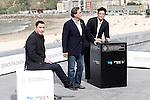 US director Oliver Stone (C) is flanked by Puerto Rican actor Benicio del Toro (R) and US actor John Travolta (L) attend the photocall of 'Savages' during the 60th San Sebastian Donostia International Film Festival - Zinemaldia.September 23,2012.(ALTERPHOTOS/ALFAQUI/Acero)