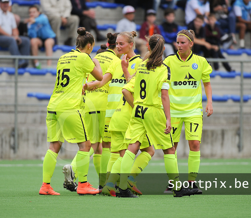 20160730 - GENT , BELGIUM : Gent's players celebrating the opening goal  pictured during a friendly game between KAA Gent Ladies and Borussia Mönchengladbach during the preparations for the 2016-2017 season , Saturday 30 July 2016 ,  PHOTO Dirk Vuylsteke | Sportpix.Be
