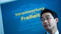 Berlin, Bundeswirtschaftsminister und Vizekanzler Philipp Rösler (FDP), sitzt am Montag (13.05.13) in der Parteizentrale im Thomas-Dehler-Haus bei einer Sitzung des Präsidiums während. Foto: Steffi Loos/CommonLens