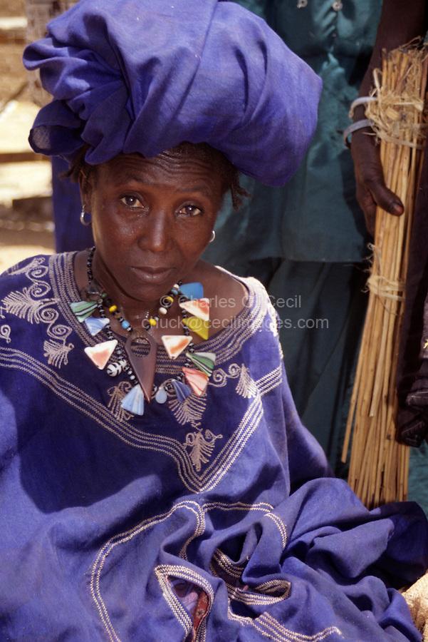 Bankilare, southwestern Niger - Bella Woman, Boubou, Headdress, Necklace