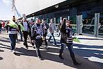 Solna 2014-03-16 Bandy SM-final herrar Sandvikens AIK - V&auml;ster&aring;s SK :  <br /> Sandvikens supportrar p&aring; v&auml;g till Friends Arena inf&ouml;r SM-finalen mellan Sandviken och V&auml;ster&aring;s<br /> (Foto: Kenta J&ouml;nsson) Nyckelord:  SM SM-final final herr herrar VSK V&auml;ster&aring;s SAIK Sandviken  supporter fans publik supporters