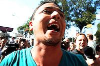 ***FOTO DE ARQUIVO***12,06,2014 - SÃO PAULO,SP,25.07.2014 - PRISÃO DE MANIFESTANTE - O manifestante e professor Jefte Rodrigues durante a manifestação:Não vai ter Copa.Rua tuiuti,no Shopping Metrô Tatuapé,região Leste da cidade de São Paulo.<br /> (Foto:Kevin David/Brazil Photo Press)
