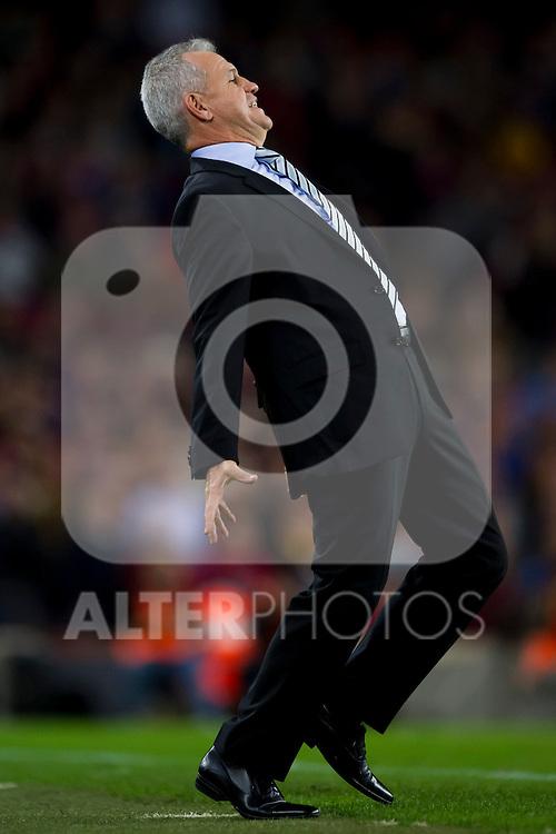 RCD Espanyol's coach Javier Aguirre reacts during La Liga 2013-2014 match against FC Barcelona. November 1, 2013. (ALTERPHOTOS/Alex Caparros)