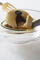 Europe/France/Aquitaine/33/Gironde/Médoc/Pauillac:  Spaghetti au ris de veau, cèpes et truffes Recette de Thierry Marx Chef de  l'Hotel-Restaurant  Château Cordeillan-Bages
