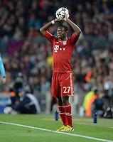 FUSSBALL  CHAMPIONS LEAGUE  HALBFINALE  RUECKSPIEL  2012/2013      FC Barcelona - FC Bayern Muenchen              01.05.2013 David Alaba (FC Bayern Muenchen) beim Einwurf