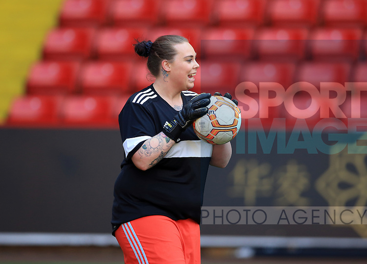 Sheffield United Ladies' Kirsty Johnson warms up prior to kick off during the FA Women's Cup First Round match at Bramall Lane Stadium, Sheffield. Picture date: December 4th, 2016. Pic Clint Hughes/Sportimage