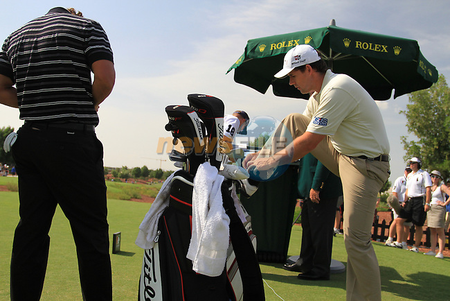 Padaig Harrington gets ready to tee off with Adam Scott during  Day 2 at the Dubai World Championship Golf in Jumeirah, Earth Course, Golf Estates, Dubai  UAE, 20th November 2009 (Photo by Eoin Clarke/GOLFFILE)