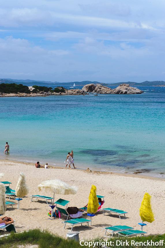 Strand von Baja Sardinia, Costa Smeralda, Provinz Olbia-Tempio, Sardinien, Italien