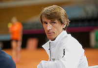 Februari 04, 2015, Apeldoorn, Omnisport, Fed Cup, Netherlands-Slovakia, training, Captain Paul Haarhuis (NED)<br /> Photo: Tennisimages/Henk Koster