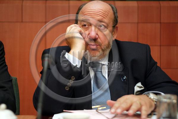 Belgium---Brussels---EU-Summit---italian presidency---Tour de Table/Round Table  16.10.2003.Louis MICHEL,  Foreign Minister , Belgium ;              .Portrait  ;              ..PHOTO:  / ANNA-MARIA ROMANELLI / EUP-IMAGES