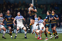 Chris Pennell of Worcester Warriors claims the ball in the air. Gallagher Premiership match, between Worcester Warriors and Bath Rugby on January 5, 2019 at Sixways Stadium in Worcester, England. Photo by: Patrick Khachfe / Onside Images