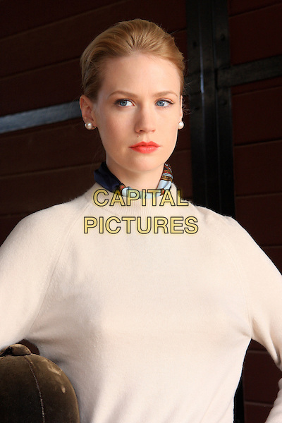 JANUARY JONES<br /> in Mad Men (Season 2)<br /> *Filmstill - Editorial Use Only*<br /> CAP/FB<br /> Image supplied by Capital Pictures