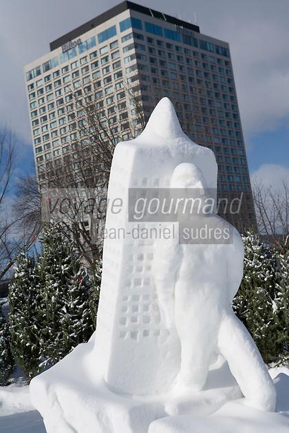 """Amérique/Amérique du Nord/Canada/Québec/ Québec: Concours de sculpture  sur glace au    """"Palais de Glace"""" lors du Carnaval de Québec sur la place de l'Assemblée Nationale  dit aussi Palais de Bonhomme"""
