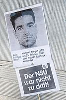 """Etwa 2.000 Menschen demonstrierten am Mittwoch den 11. Juli 2018 in Berlin unter dem Motto """"Kein Schlussstrich - Das Problem heisst Rassismus"""" anlaesslich der Urteilsverkuendung im Muenchner NSU-Prozess. In Redebeitraegen, auf Plakaten und Transparenten wurde die Nicht-Aufklaerung der Terrororganisation """"Nationalsozialistischer Untergund"""" - NSU - kritisiert. So hat die Staatsanwaltschaft im ueber fuenf Jahre dauernden Prozess immer von drei Personen gesprochen, die den NSU gebildet haben sollen, obwohl im Verfahren klar geworden ist, dass der NSU mit seinem Netzwerk aus mind. 50 Personen bestehen muss. Auch wurden die geringen Strafen gegen einige der Angeklagten kritisiert.<br /> Die Demonstration wurde von vier Einsatzhundertschaften der Berliner Polizei begleitet und ueber einem dutzend ziviler Staatschutzbeamten beobachtet.<br /> Im Bild: Ein Portrai von Mehmet Turgut, der am 25. Februar 2004 in Rostock vom NSU ermordet wurde.<br /> 11.7.2018, Berlin<br /> Copyright: Christian-Ditsch.de<br /> [Inhaltsveraendernde Manipulation des Fotos nur nach ausdruecklicher Genehmigung des Fotografen. Vereinbarungen ueber Abtretung von Persoenlichkeitsrechten/Model Release der abgebildeten Person/Personen liegen nicht vor. NO MODEL RELEASE! Nur fuer Redaktionelle Zwecke. Don't publish without copyright Christian-Ditsch.de, Veroeffentlichung nur mit Fotografennennung, sowie gegen Honorar, MwSt. und Beleg. Konto: I N G - D i B a, IBAN DE58500105175400192269, BIC INGDDEFFXXX, Kontakt: post@christian-ditsch.de<br /> Bei der Bearbeitung der Dateiinformationen darf die Urheberkennzeichnung in den EXIF- und  IPTC-Daten nicht entfernt werden, diese sind in digitalen Medien nach §95c UrhG rechtlich geschuetzt. Der Urhebervermerk wird gemaess §13 UrhG verlangt.]"""