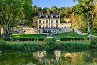 France, Indre-et-Loire (37), Amboise, château Gaillard, le château, les grands parterres et l'Amasse