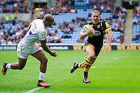 Jimmy Gopperth of Wasps runs in a first half try. Aviva Premiership match, between Wasps and Exeter Chiefs on September 4, 2016 at the Ricoh Arena in Coventry, England. Photo by: Patrick Khachfe / JMP