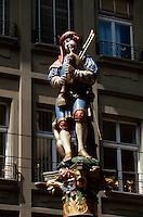Schweiz, Pfeiferbrunnen auf der Spitalgasse in Bern, Unesco-Weltkulturerbe
