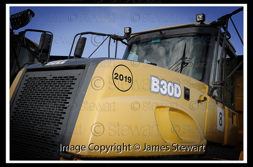 01/04/2008    Copyright Pic: James Stewart.File Name : 27_mac_plant_leith.MAC PLANT, LEITH DOCKS.James Stewart Photo Agency 19 Carronlea Drive, Falkirk. FK2 8DN      Vat Reg No. 607 6932 25.Studio      : +44 (0)1324 611191 .Mobile      : +44 (0)7721 416997.E-mail  :  jim@jspa.co.uk.If you require further information then contact Jim Stewart on any of the numbers above........