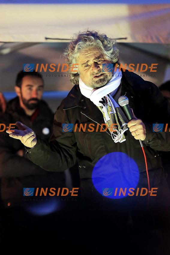 Beppe Grillo.Pomezia 23/01/2013 Il leader del Movimento 5 Stelle arriva a Pomezia con il suo Tsunami Tour per la campagna elettorale 2013..Photo Ernst Insidefoto