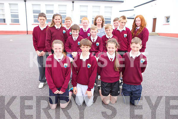 Children from Mrs Cotter's sixth class who are graduating this week and getting ready for Secondary school were: Fiona Quirke, Ruaidhri Duggan, Sarah Healy, and Darren Stack, Back l-r were: Ciarán Casey, Aisling Harty, Nathan Guerin, Jamie Lee, Tomás O'Connor, Colin Walsh, Mary Griffin (teacher), Padraig Woods, Cillian Byrne, Kevin Lowney and Lorraine Kenny.  Children from Mrs Cotter's sixth class, Glenderry national school, BAllyheigue who are graduating this week and getting ready for Secondary school were: Fiona Quirke, Ruaidhri Duggan, Sarah Healy, and Darren Stack, Back l-r were: Ciarán Casey, Aisling Harty, Nathan Guerin, Jamie Lee, Tomás O'Connor, Colin Walsh, Mary Griffin (teacher), Padraig Woods, Cillian Byrne, Kevin Lowney and Lorraine Kenny.
