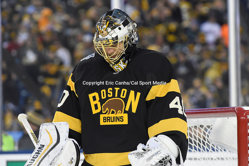 Friday January 1, 2016: Boston Bruins goalie Tuukka Rask (40) waits for the puck to drop during the National Hockey League Bridgestone Winter Classic game between the Montreal Canadiens and the Boston Bruins, held at Gillette Stadium in Foxborough, Massachusetts. Montreal defeats Boston 5-1 in regulation time. Eric Canha/CSM