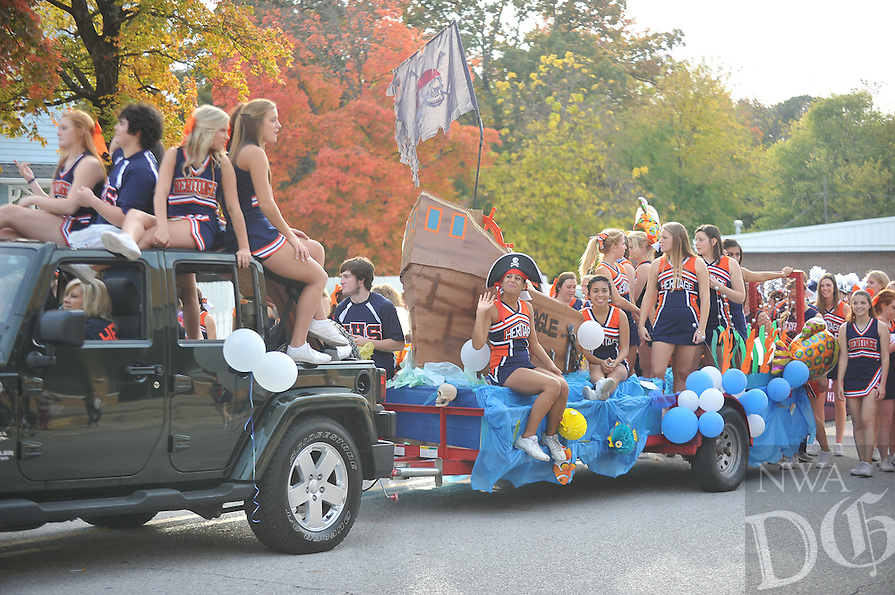 NWA Media/Michael Woods --10/24/2014-- w @NWAMICHAELW...The Rogers Heritage homecoming parade in Rogers Friday afternoon.