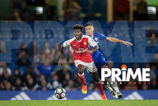 Gedion Zelalem of Arsenal holds off Isaac Christie Davies of Chelsea during the EPL2 - U23 - Premier League 2 match between Chelsea and Arsenal at Stamford Bridge, London, England on 23 September 2016. Photo by Andy Rowland.