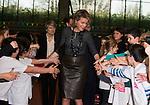 La Reine Mathilde &eacute;tait pr&eacute;sente avec Unicef Belgique pour les 25 ans des Droits de l'enfant &agrave; Bruxelles. La Reine &agrave; rencontrer les diff&eacute;rents partenaires du domaine ainsi que de nombreux enfants.Ces derniers avaient pr&eacute;par&eacute;s un flashmob pour la Reine et apr&egrave;s avoir pris la parole, la Reine &agrave;  &eacute;galement &eacute;cout&eacute; les voeux de dix enfants qui lui ont offert divers bricolages. Avant de partir la Reine &agrave; pris le temps pour saluer les enfants.<br /> Le 20 novembre 2014, Bruxelles, Belgique