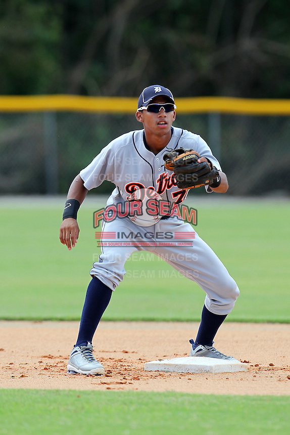 Detroit Tigers shortstop Dixon Machado #76 during practice before an Instructional League game against the national team from China at Vero Beach Sports Complex on September 29, 2011 in Vero Beach, Florida.  (Mike Janes/Four Seam Images)