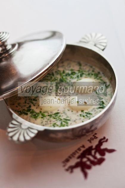 Europe/Voïvodie de Petite-Pologne/Cracovie:  Zurek, soupe à base de farine de seigle fermenté,  au restaurant: Pod Aniolami