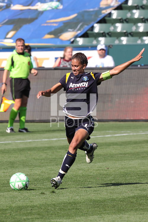 Shannon Boxx #7 of the Los Angeles Sol takes a shot against the Washington Freedom during their WPS game at The Home Depot Center on June 7,2009 in Carson, California.  The Sol defeated the Freedom 3-1.
