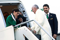 Papa Francesco si imbarca su un volo per Cuba, dove e' in programma l'incontro col patriarca ortodosso russo Kyril, prima di proseguire per il suo viaggio in Messico, all'aeroporto internazionale di Roma Fiumicino, 12 febbraio 2016.<br /> Pope Francis boards a plane to Cuba, where he is scheduled to meet Russian Orthodox Patriarch Kirill, before to continue for a week-long trip to Mexico, at Rome's Fiumicino international airport, 12 February 2016.<br /> UPDATE IMAGES PRESS/Riccardo De Luca<br /> <br /> STRICTLY ONLY FOR EDITORIAL USE