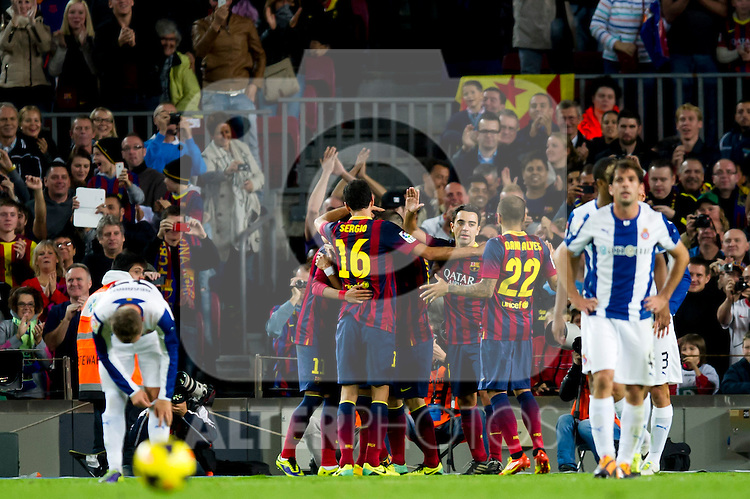 FC Barcelona's Sergio Busquets, Xavi Hernandez, Daniel Alves and others celebrate after Alexis Sanchez scored a goal during La Liga 2013-2014 match against RCD Espanyol. November 1, 2013. (ALTERPHOTOS/Alex Caparros)