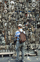 Senegal. Dakar.  African art ( mask, statues,figures, animals, shield,..) for sale to tourists. Objects are made out of wood. © 2000 Didier Ruef