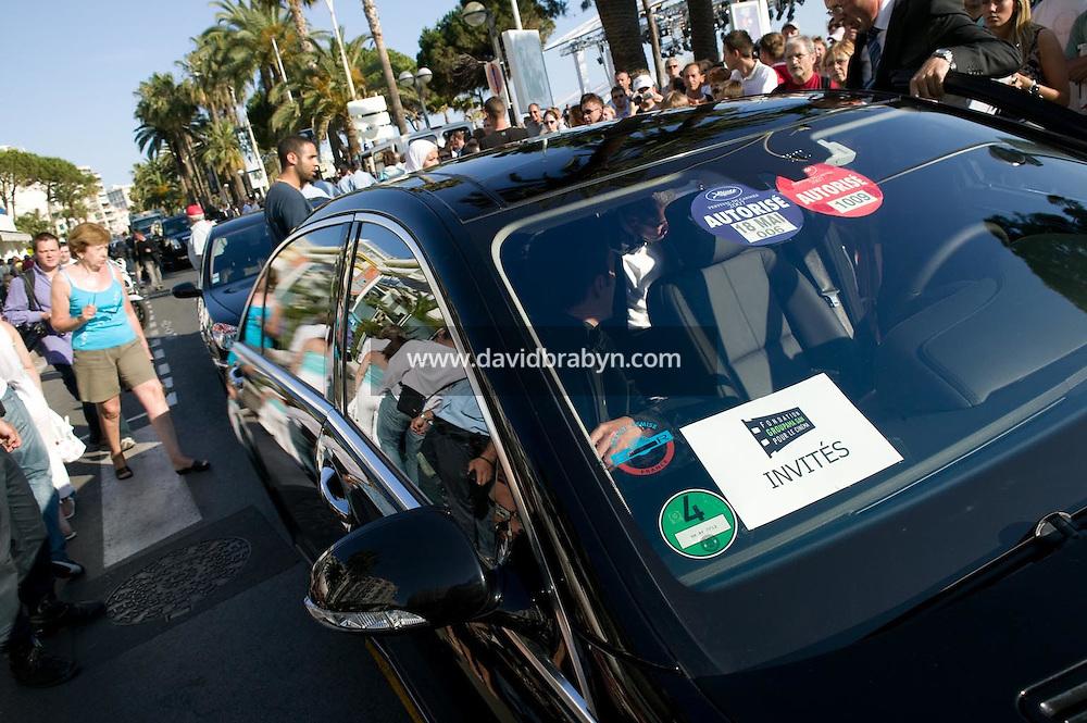Depart pour la montee des marches, 20 ans de la Fondation Groupama-Gan pour le Cinema, Cannes, France, 18 mai 2007.