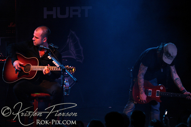 HURT perform at Pop's in St. Louis, MO February 8, 2008