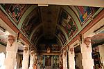 Singapore: Chinatown Al di la della strada il Tempio di Sri Mariamman  è il più antico tempio indù di Singapore
