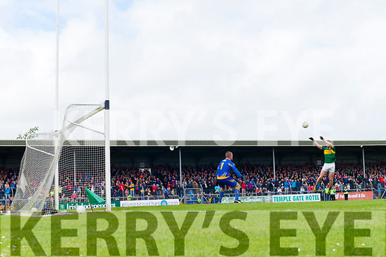 Paul Geaney Kerry misses a goal chance against  Clare in the Munster Senior Football Championship Semi Final in Ennis on Sunday.
