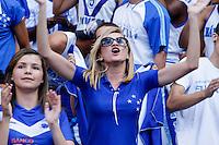 BELO HORIZONTE, MG, 19 MAIO 2013 - CAMPEONATO MINEIRO - ATLÉTICO MG X CRUZEIRO - Torcida  do Cruzeiro durante partida contra o Atlético Mineiro, jogo valido pela primeira partida da final do Campeonato Mineiro no estádio Mineirão em Belo Horizonte, na tarde deste Domingo, 19. FOTO: NEREU JR / BRAZIL PHOTO PRESS).