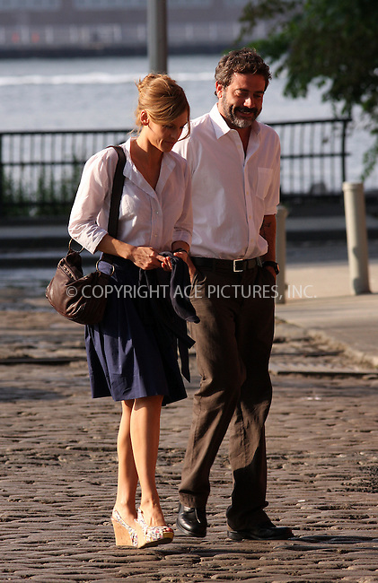 WWW.ACEPIXS.COM . . . . .  ....July 1 2009, New York City....Actors Jeffrey Dean Morgan and Hilary Swank on the Brooklyn set of the new movie 'The Resident' on July 1 2009 in New York City....Please byline: AJ Sokalner - ACEPIXS.COM..... *** ***..Ace Pictures, Inc:  ..tel: (212) 243 8787..e-mail: info@acepixs.com..web: http://www.acepixs.com