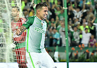 MEDELLÍN -COLOMBIA-10-05-2017: Dayro Moreno jugador de Atlético Nacional de Colombia celebra después de anotar un gol a Chapecoense de Brasil durante partido de vuelta por la final de la CONMEBOL Recopa Sudamericana 2017 jugado en el estadio Atanasio Girardot de la ciudad de Medellín. / Dayro Moreno player of Atletico Nacional of Colombia celebrates after scoring a goal to Chapecoense of Brazil during second leg match for the final of the CONMEBOL Recopa Sudamericana 2017 played at Atanasio Girardot stadium in Medellin city. Photo: VizzorImage / Gabriel Aponte / Staff