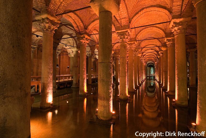 Türkei, Yerebatan-Zisterne (Yerebatan Sarnici) in Istanbul, erbaut im 6. Jh von Justinian