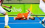 RIO DE JANEIRO  - Blessure voor Robbert Kmeperman  tijdens de verloren halve finale hockey heren Belgie-Nederland (3-1), tijdens de Olympische Spelen.  COPYRIGHT  KOEN SUYK