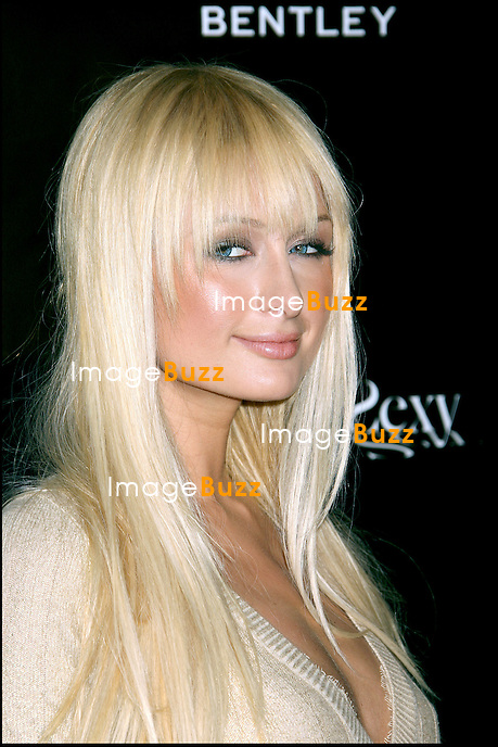 "PARIS HILTON ASSISTE A LA PRESENTATION DE LA DERNIERE COLLECTION ""STREET SEXY"" DE LA MARQUE ""WILLIAM RAST"" A LOS ANGELES. TRACE AYALA PRESENT "" STREET SEXY "", A PREVIEW OF THEIR NEWLINE "" WILLIAM RAST "" SPRING 2007, IN HOLLYWOOD..LOS ANGELES, OCTOBER 17, 2006..Pic : Paris Hilton"