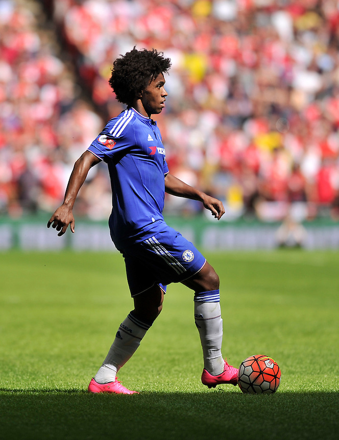 Chelsea's Willian in action during todays match  <br /> <br /> Photographer Ashley Western/CameraSport<br /> <br /> Football - FA Community Shield - Arsenal v Chelsea - Sunday 2nd August 2015 - Wembley Stadium - London<br /> <br /> &copy; CameraSport - 43 Linden Ave. Countesthorpe. Leicester. England. LE8 5PG - Tel: +44 (0) 116 277 4147 - admin@camerasport.com - www.camerasport.com