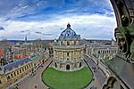 Oxford 2009-03-07. Miasto w południowej Anglli głównie znane jako siedziba Uniwersytetu Oxfordzkiego. Radcliffe Square i Radcliffe Camera.