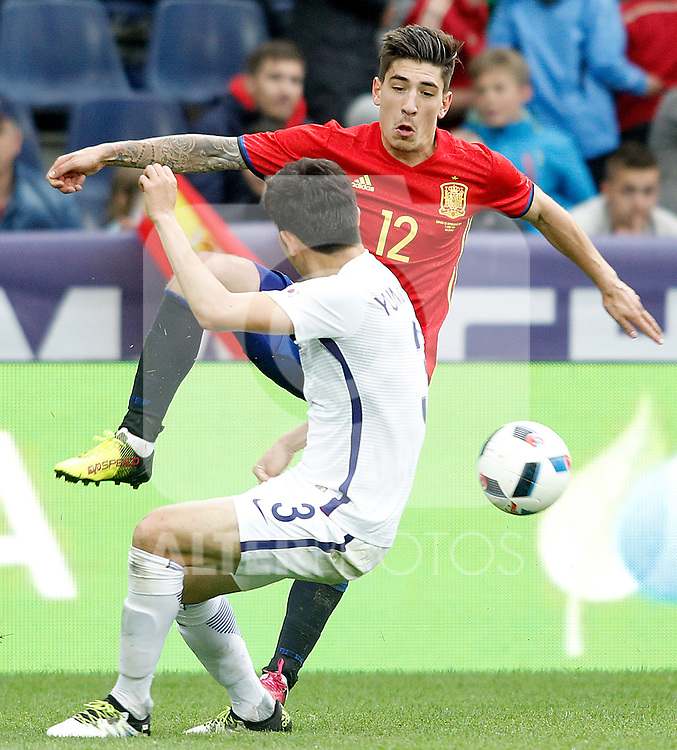 Spain's Hectro Bellerin (f) and South Korea's Sukyoung Yun during friendly match. June 1,2016.(ALTERPHOTOS/Acero)