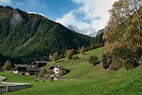 Italien, Suedtirol, St. Gertraud (Santa Gertrude) im Ultental (Val d'Ultimo), das parallel zum Vinschgau verlaeuft und bei Lana im Meraner Becken beginnt   Italy, South Tyrol, Alto Adige, village Santa Gertrude at Ulten Valley (Val d'Ultimo)