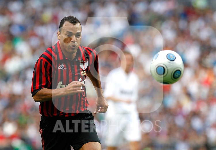 Madrid (30/05/10).- Estadio Santiago Bernabeu..Corazon Classic Match 2010.Real Madrid Veteranos 4- Milan Glorie 3.Cafu...Photo: Alex Cid-Fuentes/ ALFAQUI.